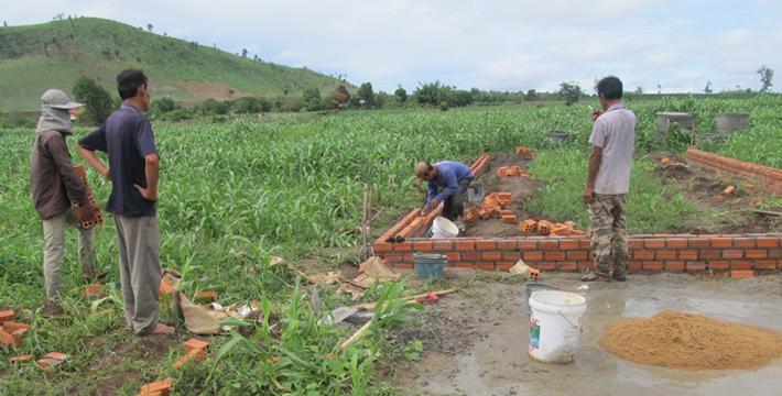 基礎工事が始まりました。